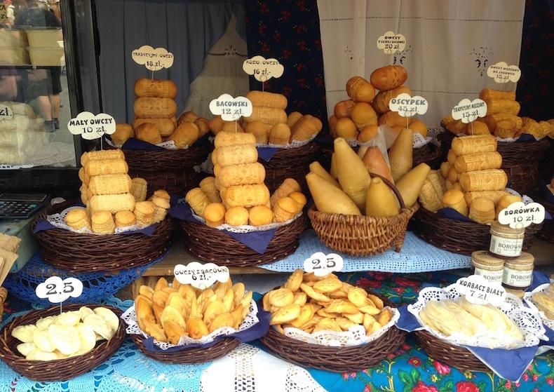 выпечка на рынке в Кракове