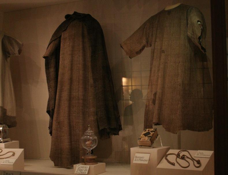 Одежда Святого Франциска и Святой Клары