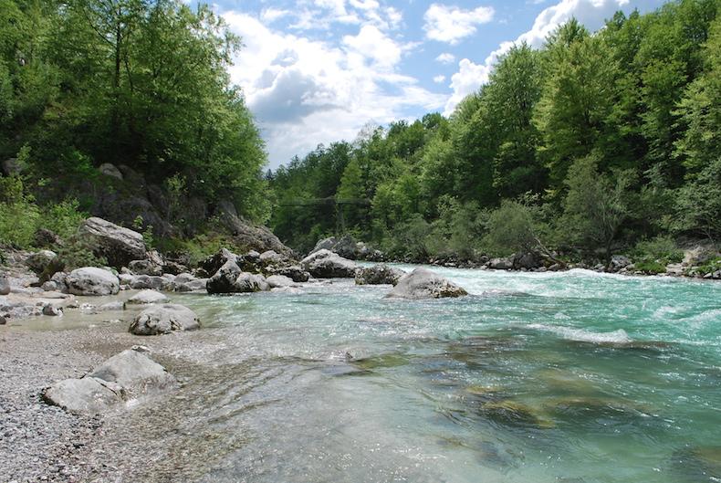 Словения: река Соча (Soča), город Кобарид (Kobarid)