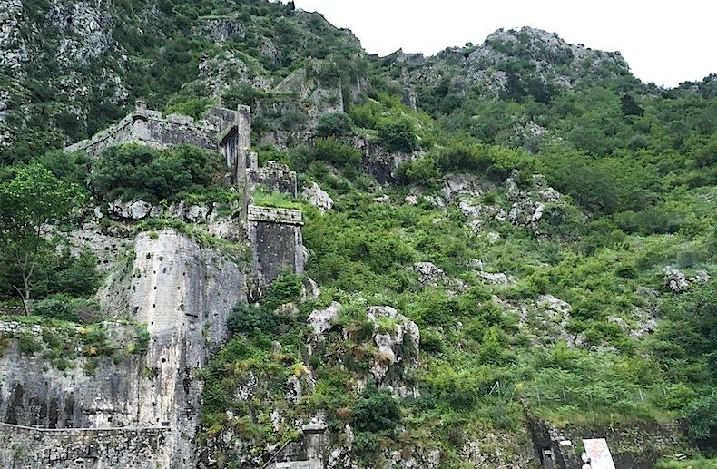 Крепостные стены Котора