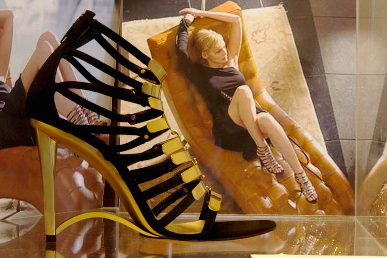 музей обуви на Ривьере дель Брента, Основной Инстинкт 2, Шэрон Стоун DKNY