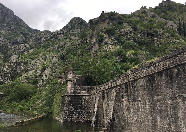 Стена Котора рядом с Северными воротами