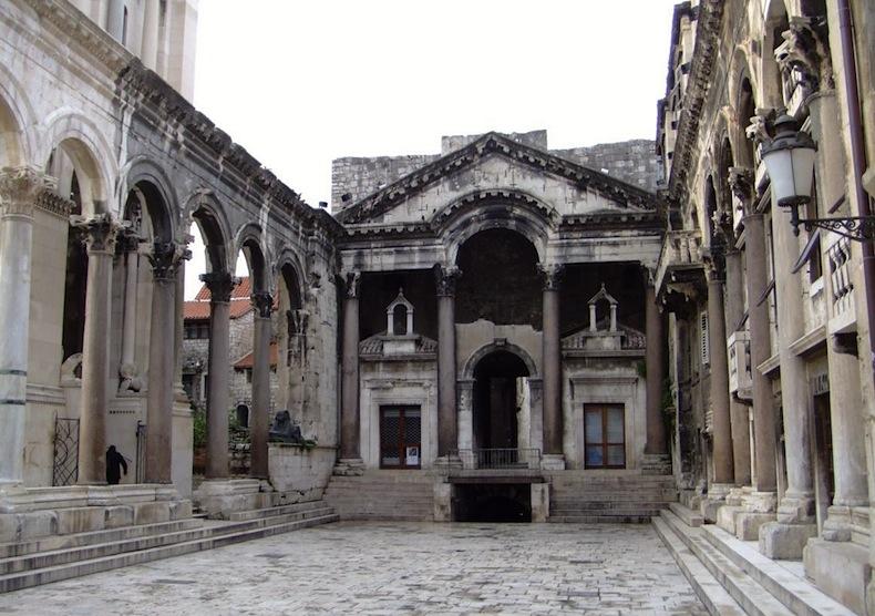 Дворец Диоклетиана в Сплите, Хорватия, Мииэрин в Играх престола