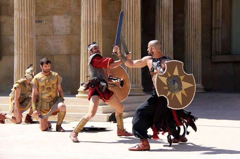 шоу на тему древних римлян в Terra Mitica