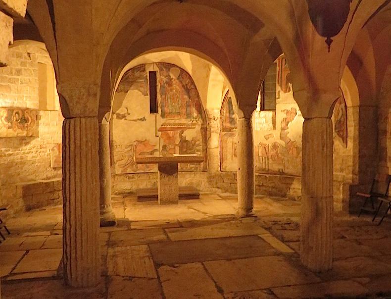крипта Святого Исаака Сполето