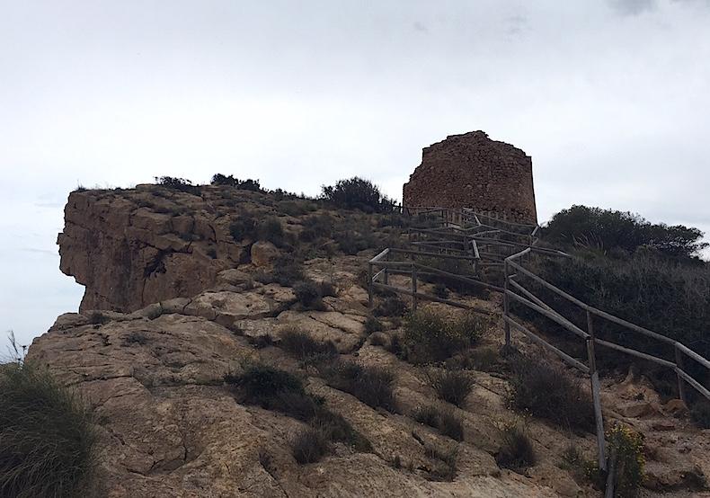 Бенидорм старая сторожевая башня