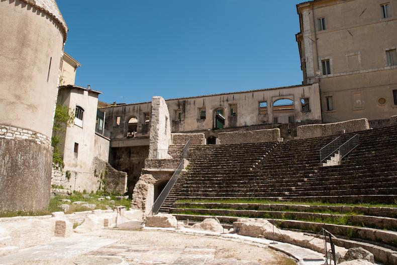 римский театр в Сполето