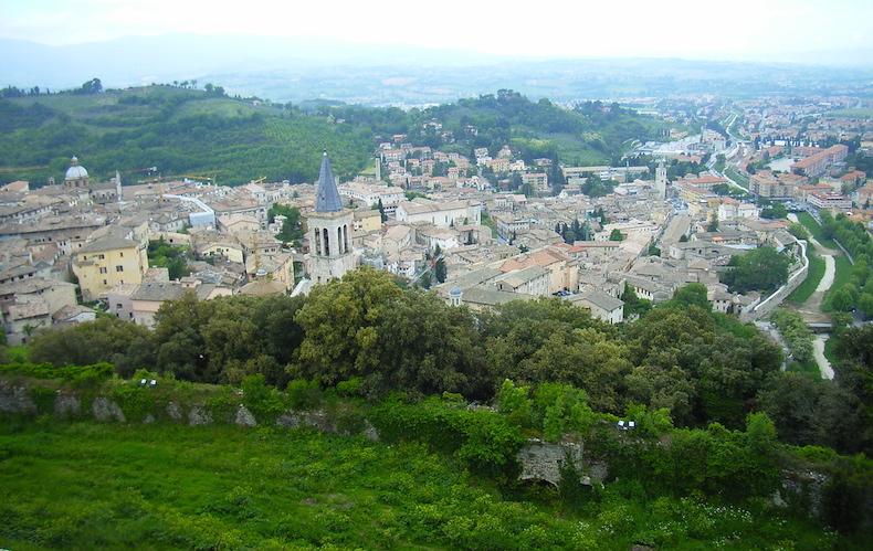 панорамный вид на Сполето