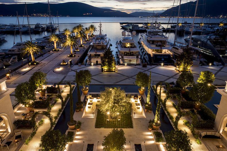 сад отеля Regent Porto Montenegro