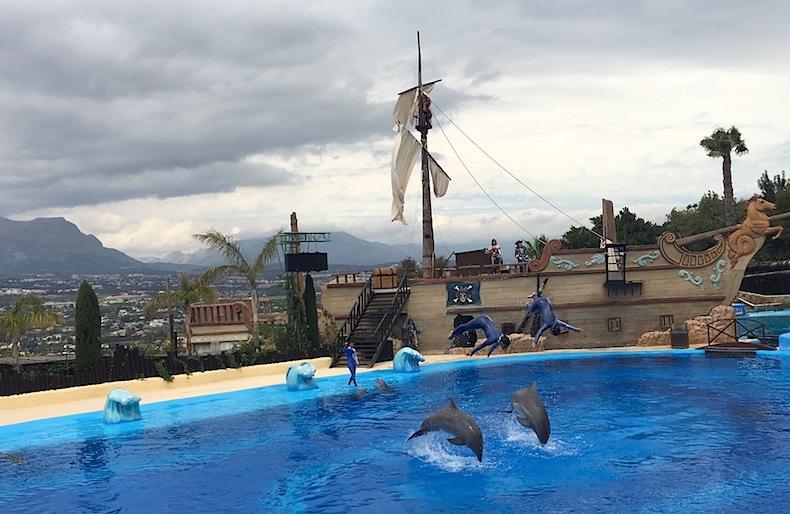 дельфинарий Mundomar