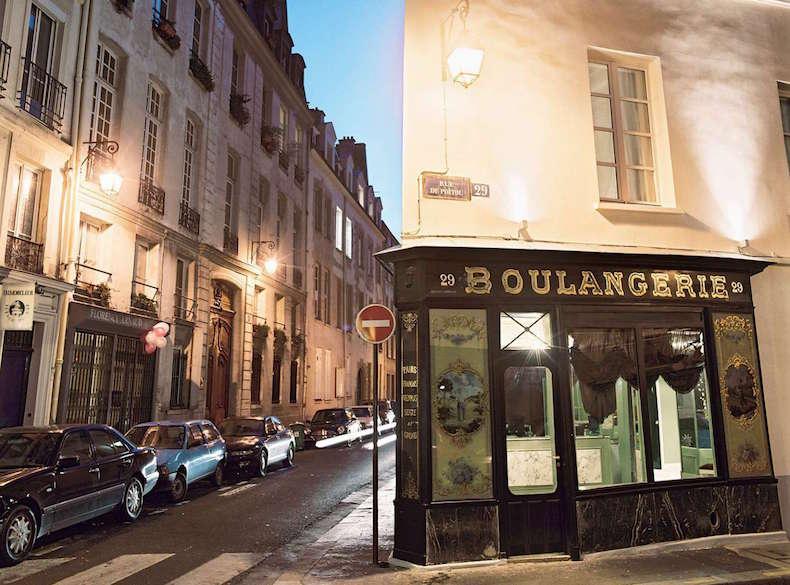 фасад отеля Hotel Du Petit Moulin