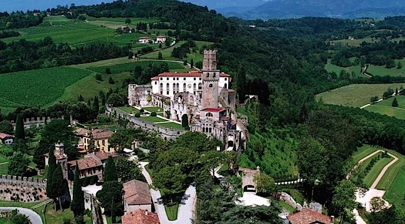 замок Сан-Сальваторе