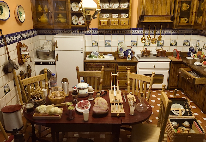 музей кукольных домиков Антонио Марко (Museo Belen y de casitas de muñecas)
