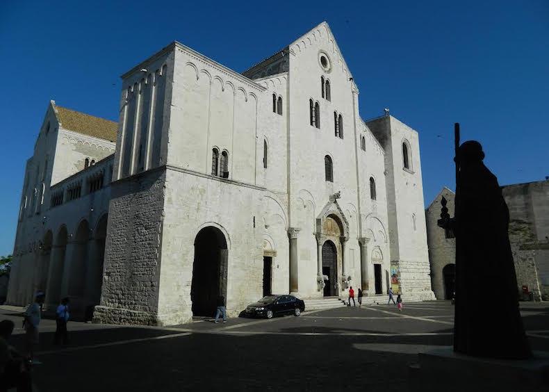 базилика Сан-Никола в Бари