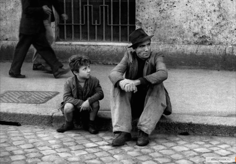 «ПОХИТИТЕЛИ ВЕЛОСИПЕДОВ», реж - ВИТТОРИО ДЕ СИКА (1948 год)