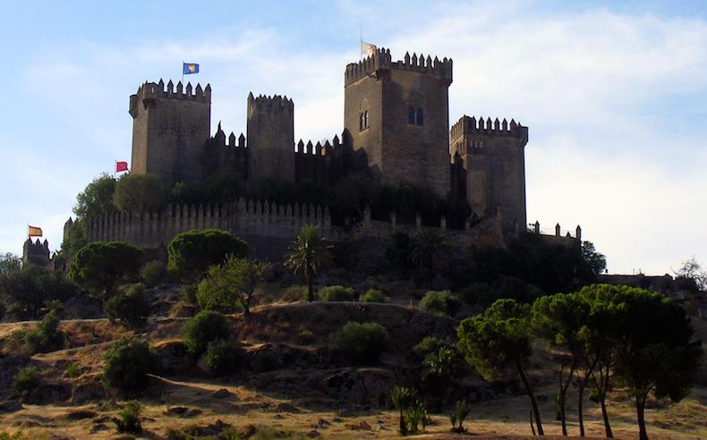 Almodovar_del_Rio_Castle Альмодовар дель Рио Где снимаются игры престолов