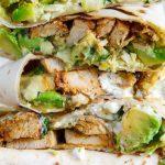 Буррито с курицой и авокадо: рецепт для быстрого и здорового ланча или пикника