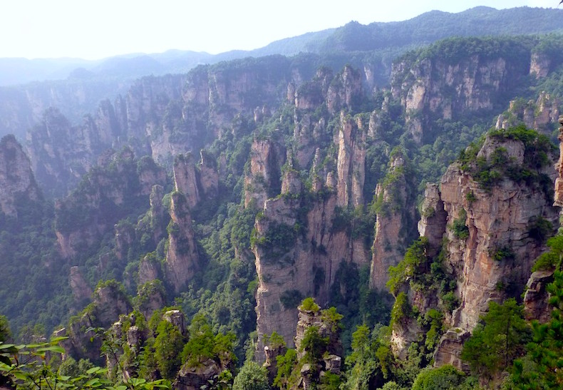 национальный парк Чжанцзяцзе (Zhangjiajie National Forest Park 湖南张家界国家森林公园) в провинции Хунань