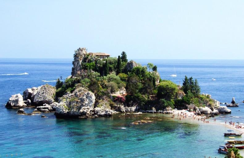Изола Белла Isola_Bella-Taormina-Messina-Sicilia-Italy_-_Creative_Commons_by_gnuckx_(3810870675)
