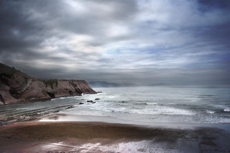пляже Itzurun Где снимаются игры престолов Itzurun,_Zumaia._Euskal_Herria