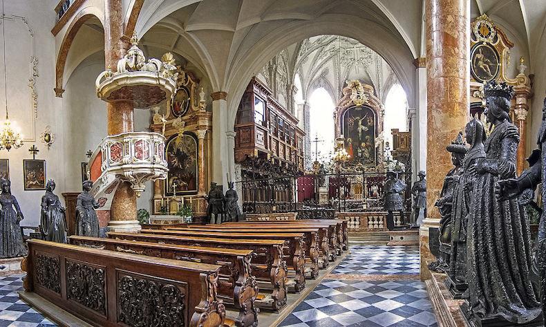 церковь Хофрихе