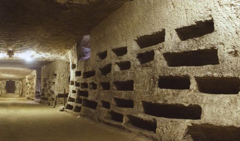 катакомбы Сан-Джованни Сиракузы Сицилия