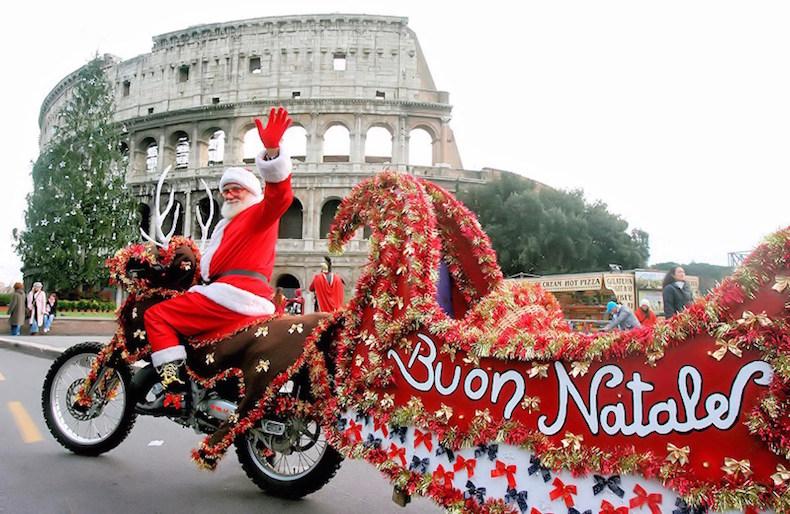 00g-christmas-babbo-natale-italy-santa-claus-25-12-12