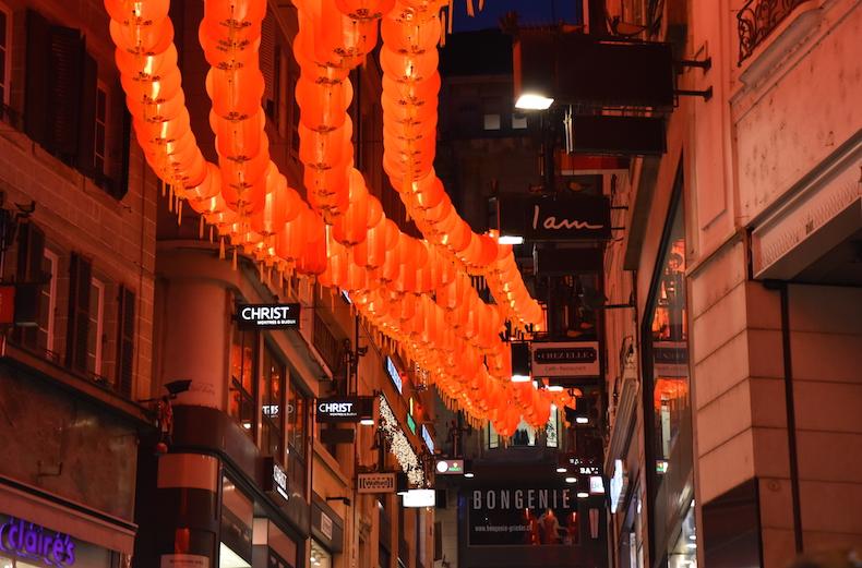 китайские фонарики на улицы Лозанны