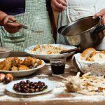 Готовим дома: греческий ужин по аутентичным рецептам