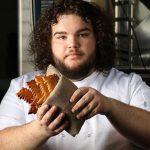 Рецепт дня: хлеб из сериала «Игры престолов» от актера, играющего роль Пирожка