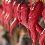Корничелло неаполитено (cornicello neapolitano): о талисмане перчике чили, который носят в Неаполе