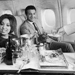 Как летали в 60-х: о гламурных самолетах и красотках-стюардессах, которым не разрешалось выходить замуж