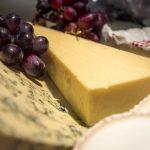 Какой сыр можно, а какой нельзя провозить в ручной клади в самолете?
