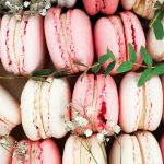 Макаруны, они же макароны: кто и как изобрел французский десерт?